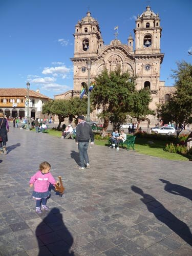plaza-de-armas-cusco-with-toddlers