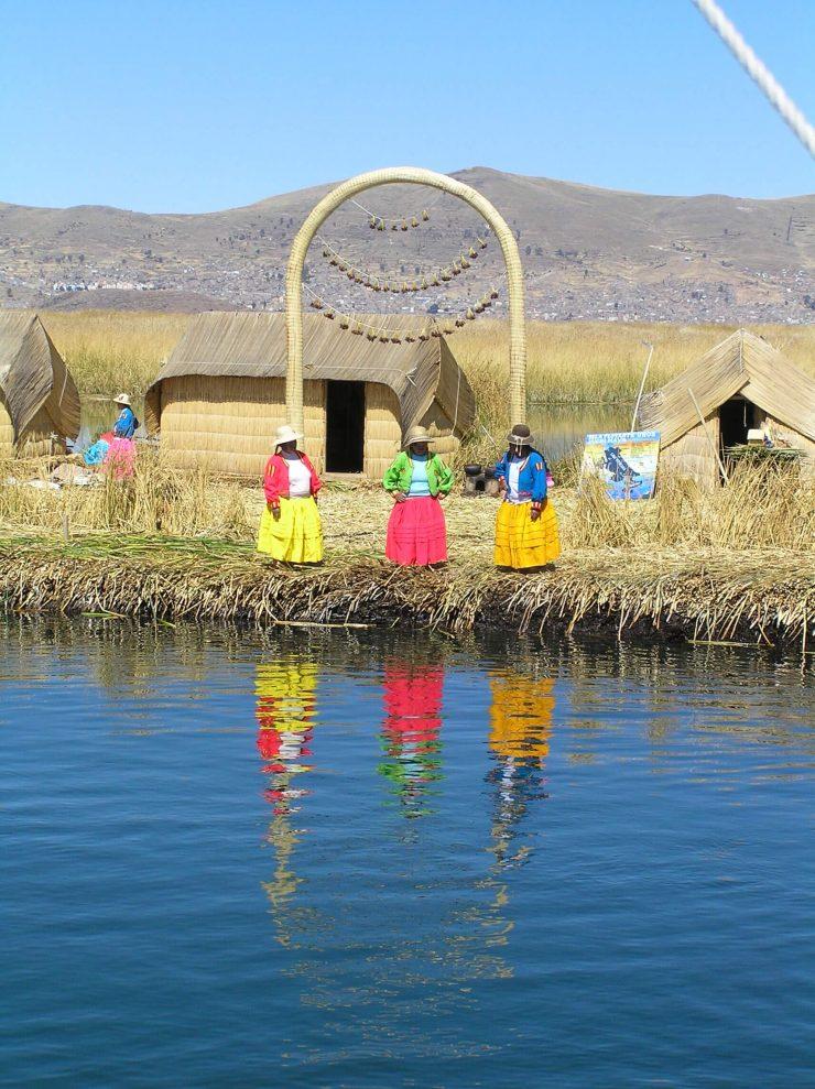 uros-island-lake-titicaca-peru